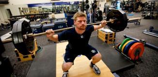 weightlifting training bodybuilders