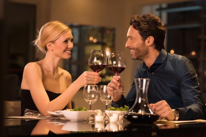 couple wine date