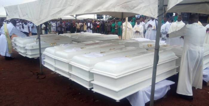 Christian Caskets of the 2 Roman Catholic priests and 17 parishioners murdered by Fulani herdsmen in Benue on Tuesday, May 22, 2018 in Makurdi as they are given a mass burial| Twitter