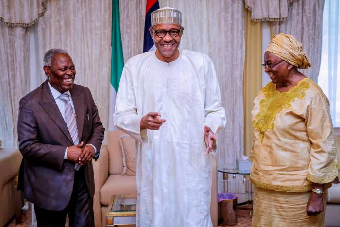 Kumuyi visits 2: President Buhari with R-L: Pastor Mrs Esther Kumuyi, Pastor W.F. Kumuyi, Pastor chike onwuasoanya and Pastor Samuel Afuwape as he receives in audience Pastor W.F. Kumuyi General Superintendent of Deeper Life Bible Church in State House on 1st Oct 2018