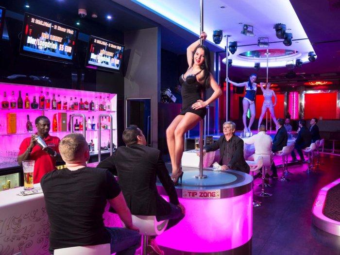strip-club-entry gentleman's club strip club