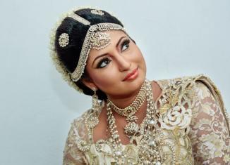 indian woman beautiful
