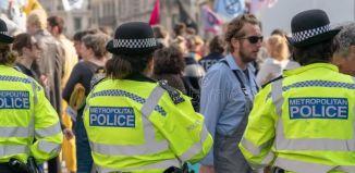 Met police uk england bomb scare