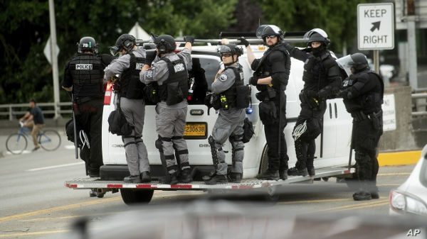 Antifa On The Left, Proud Boys On The Right, Portland Police
