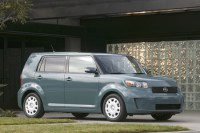 08scion_xb_21.jpg