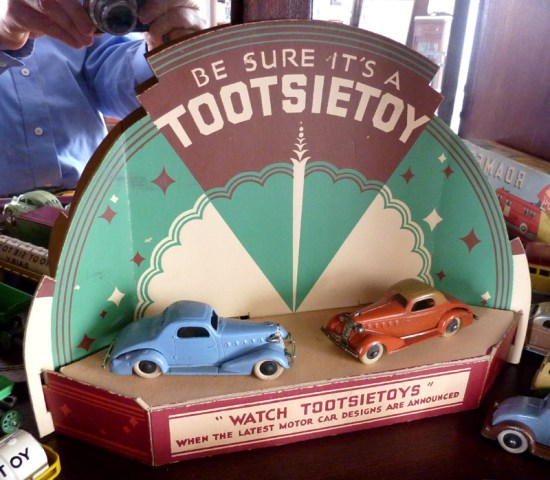 tootsietoy_display