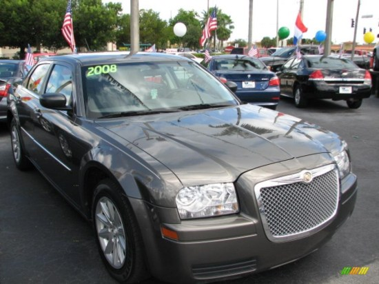 2008 Chrysler 300 LX With A Hint Of Pimp