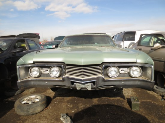07 - 1967 Oldsmobile Delta 88 Down On the Junkyard - Picture courtesy of Murilee Martin