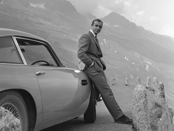 Sean_Connery_(Goldfinger_promotional_still)(Smaller)