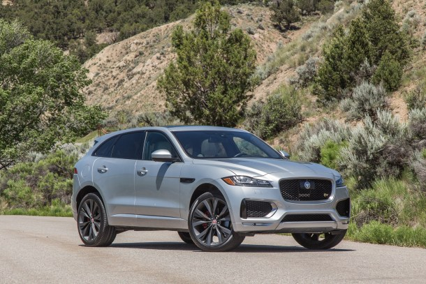2017 Jaguar F-PACE (4 of 15)