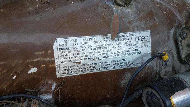1976 Audi 100LS in Colorado wrecking yard, emissions sticker - ©2017 Murilee Martin - The Truth About Cars