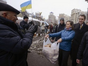 Victoria Nuland handing out cookies to protesters in Kiev. Click to enlarge