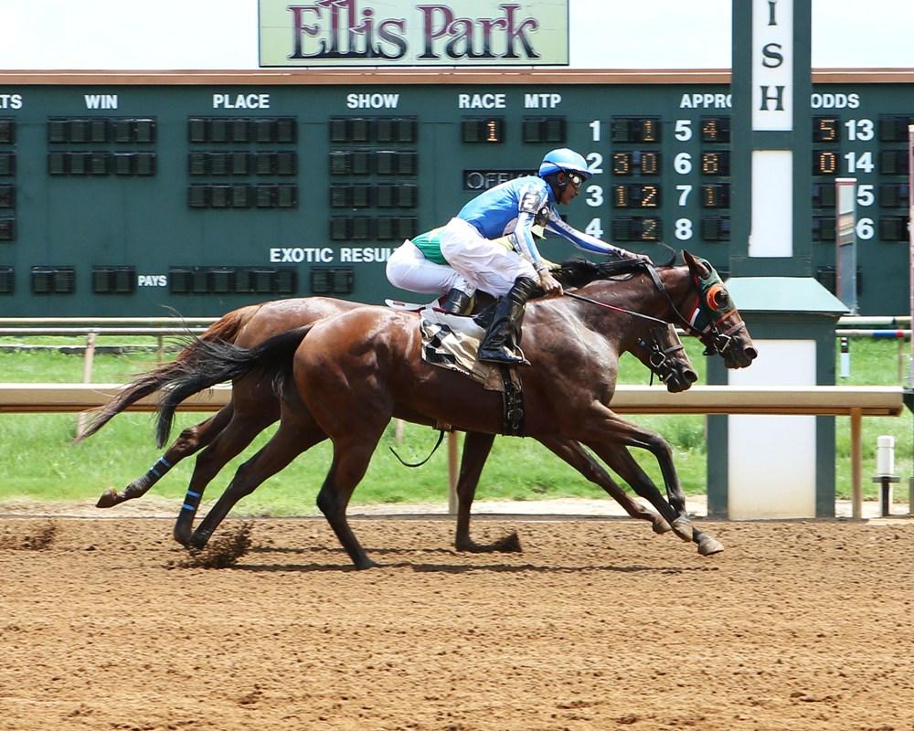 Apprentice Jockey Aparicio Revels in First U.S. Wins