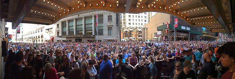crowd at Miranda's las performance - #HamforHam