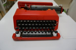 Olivetti Valentine Front Type Bar
