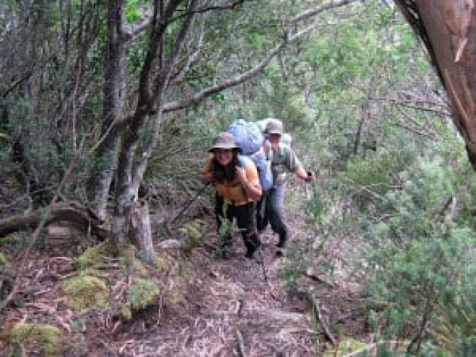 Della & Kerri climbing again