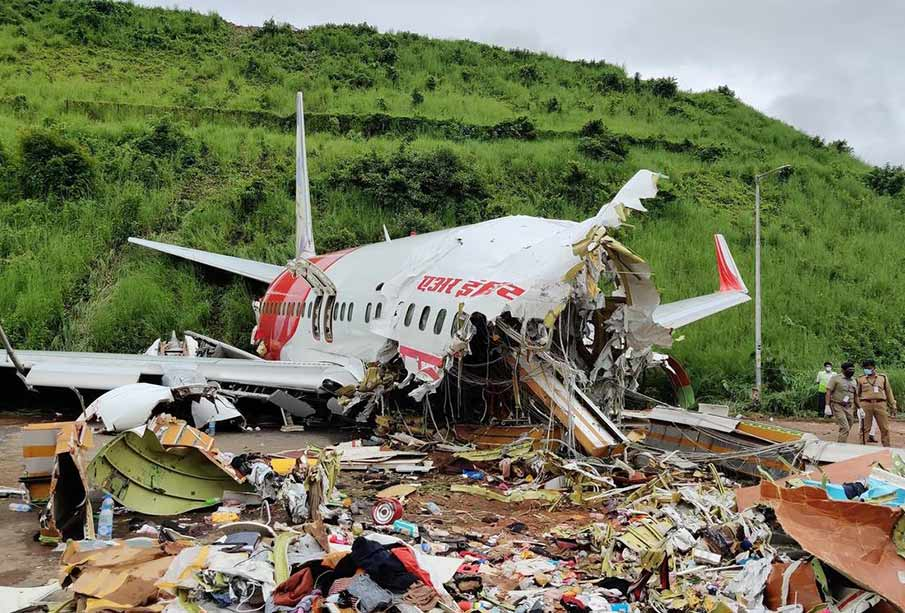 eight airport crashes