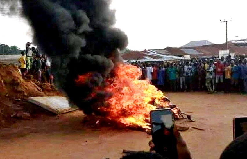 Angry Mob Set Ablaze Suspected Armed Robber To Death In Delta