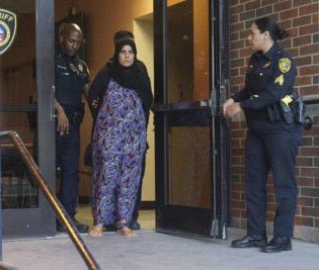 Texas Missing Muslim Teen Girl Found Parents Facing Child Abuse Charges Poured Hot Cooking Oil On Her Beat Her With Sticks When She Objected To An