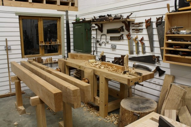 ... online blogging community with his new blog The English Woodworker