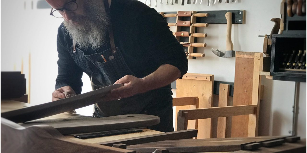 Episode 775 – An Arts and Crafts Rocking Chair Part 12