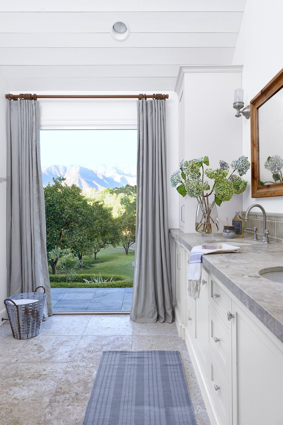 Bath Room With a View ideas