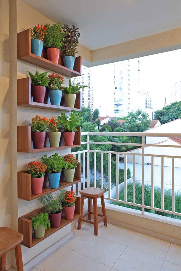 Shelf Type Balcony Garden Ideas