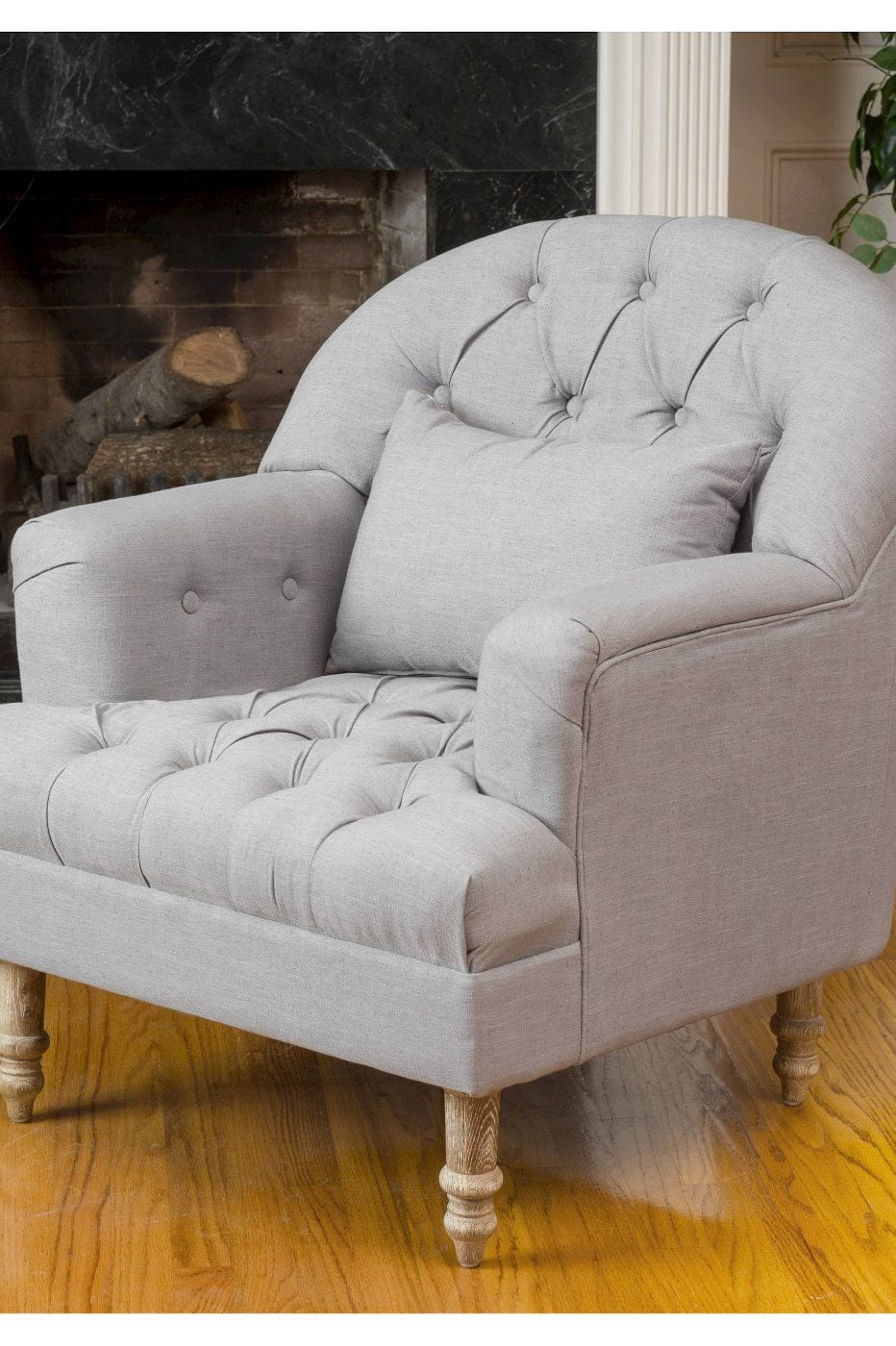 Tufted Armchair for living room