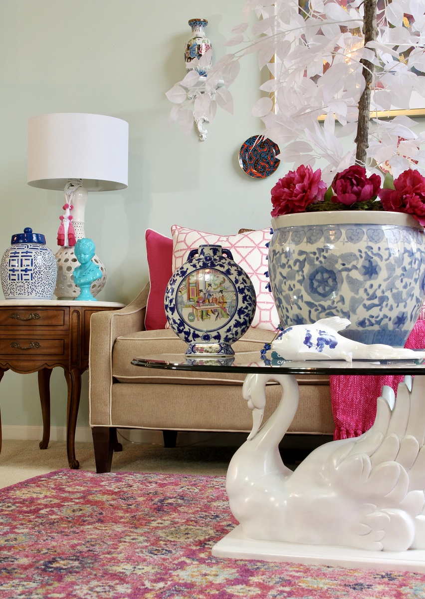 17. Stylish Moroccan with big lamp shades, flowers and proper stylish artifacts and furniture.