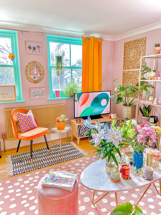 Boho-Living-Room-Potted-Plants- Colorful Curtains-Dotted Rug