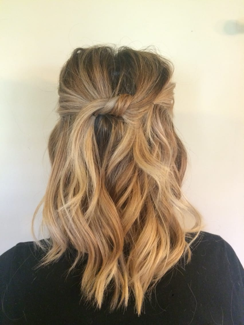 beach waves short blonde