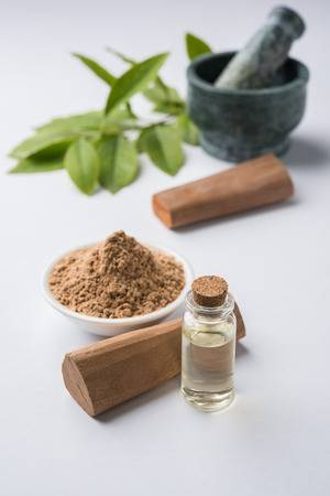 Coconut and Sandalwood Powder Paste For Sun Tan Removal