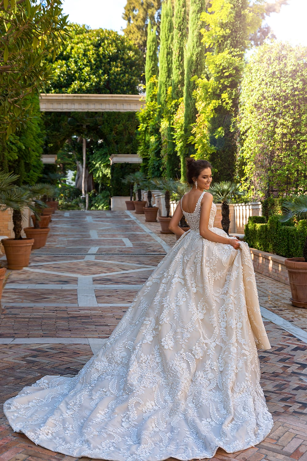 Beautiful Wedding Gown Ideas For Women