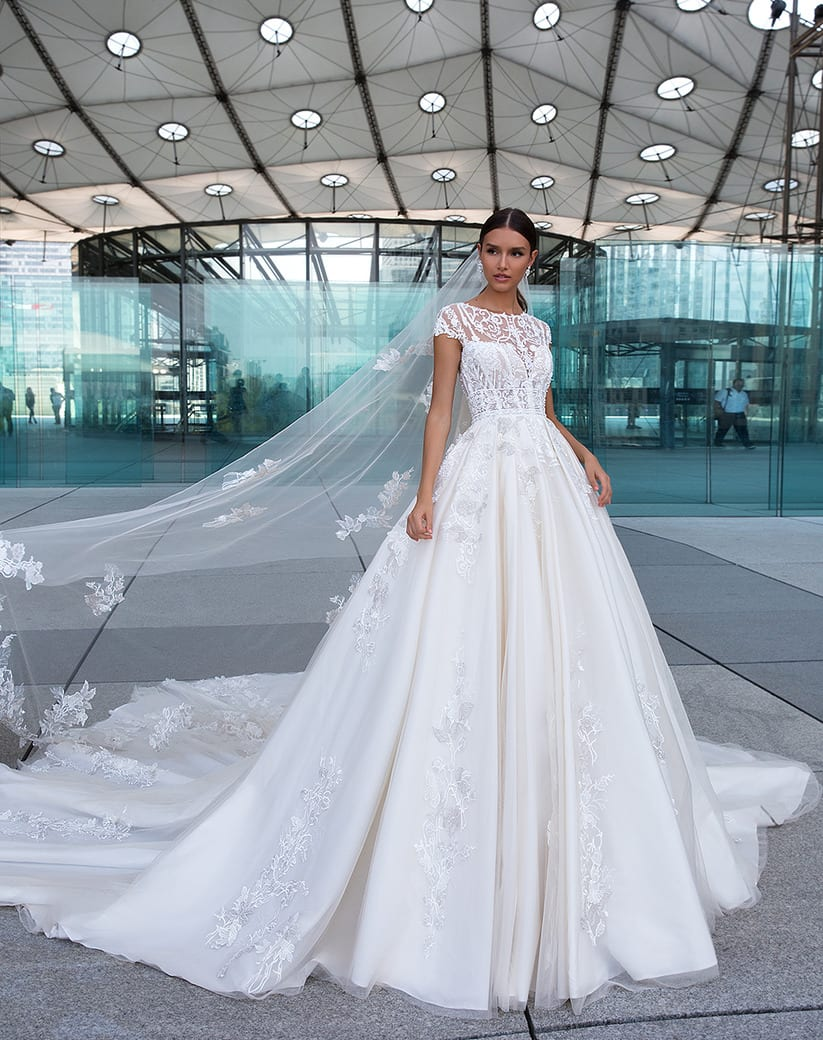 Stylish Bridal Gown.