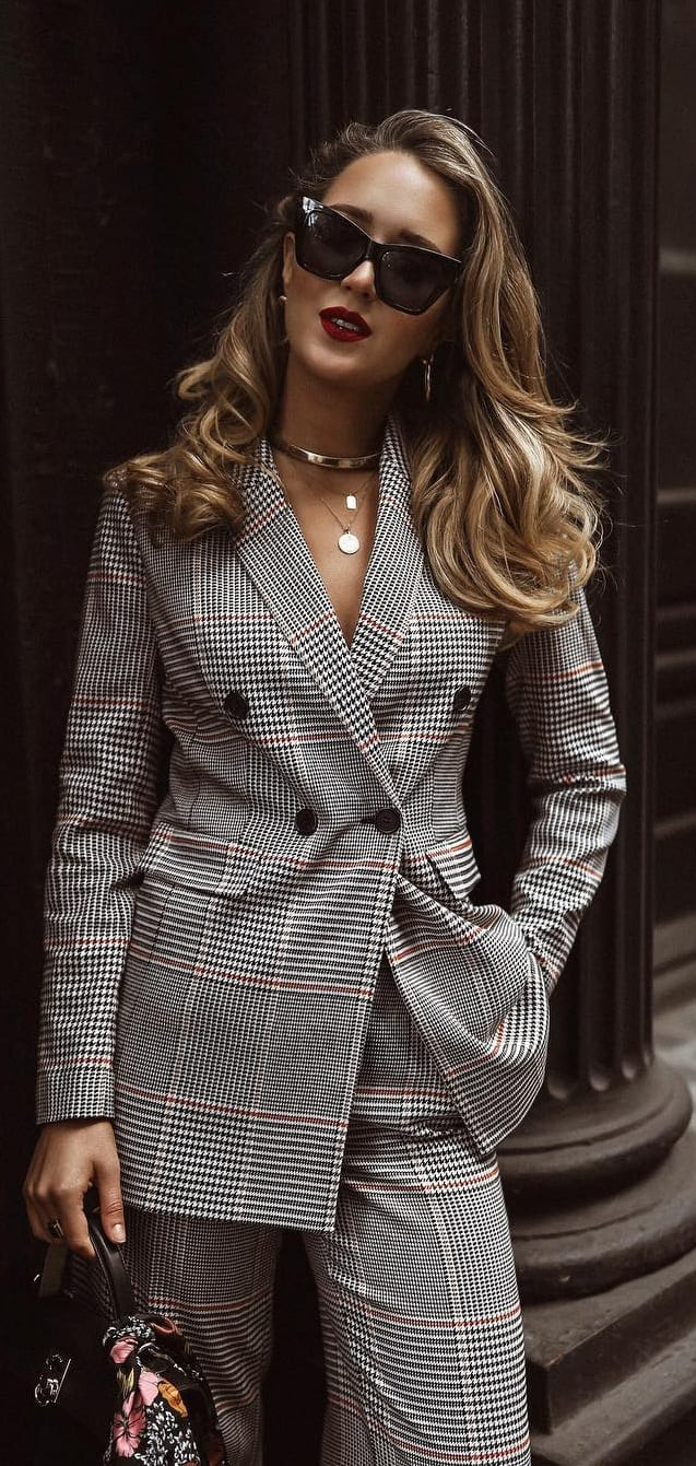 Grey-Plaid-Suit-Workwear-Outfit