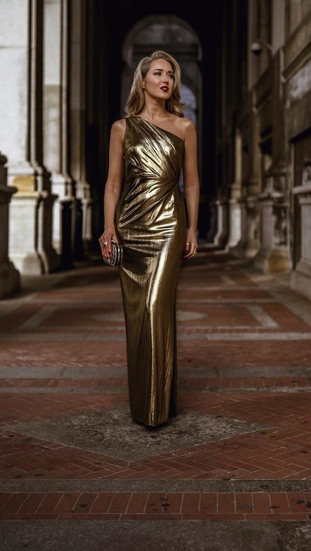 Stunning-Gold-Dress-Party-Outfit
