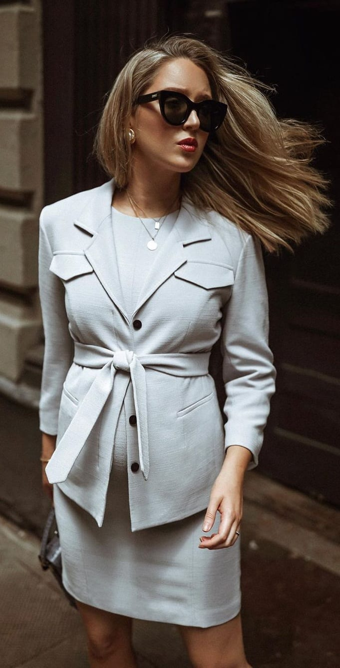 The-GreY-Suit-Skirt-and-Black-Handbag-for-the-Business-Mommies