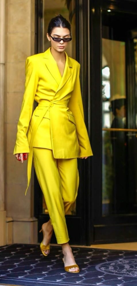 Yellow-Suit-Outfit-Ideas
