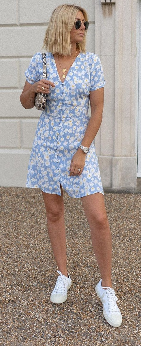 Floral Outfit Ideas To Try This Summer