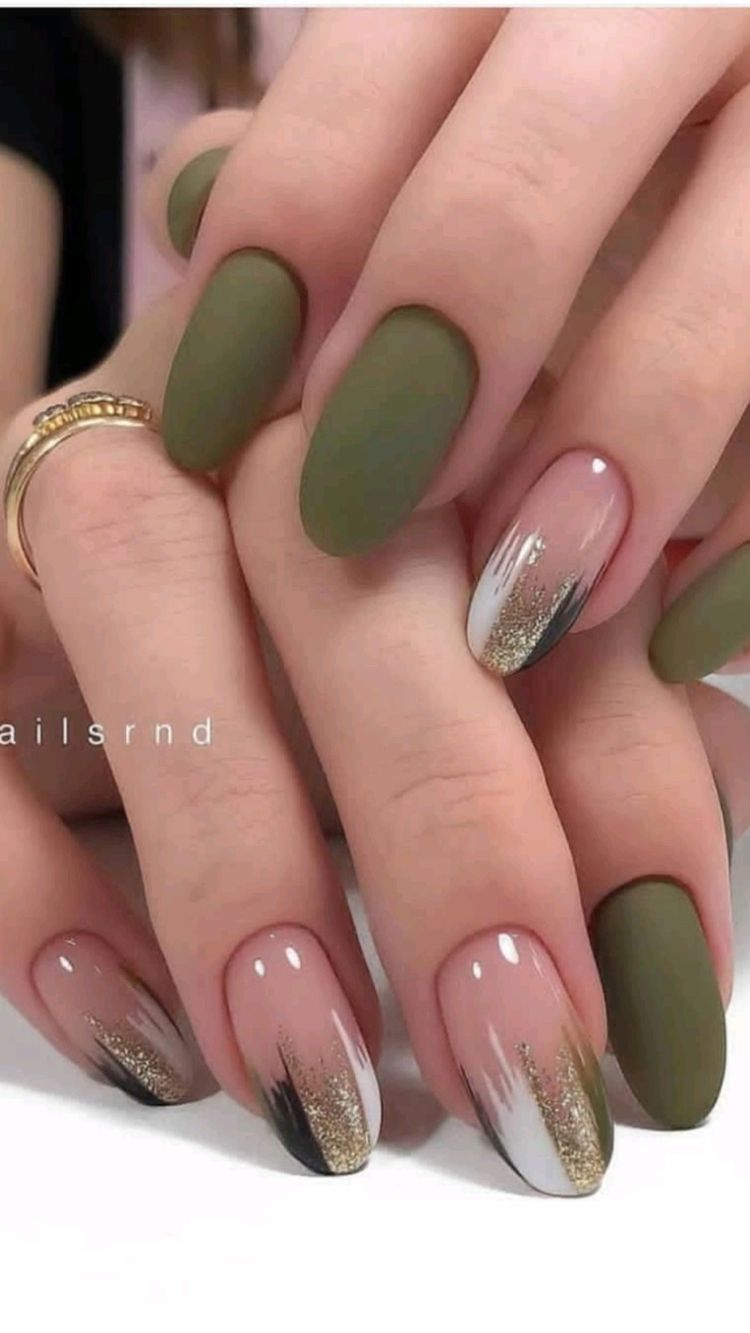 Metallic Nails You'll Want To Flaunt Now
