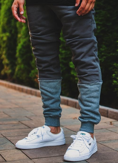 sneaker with sweatpants