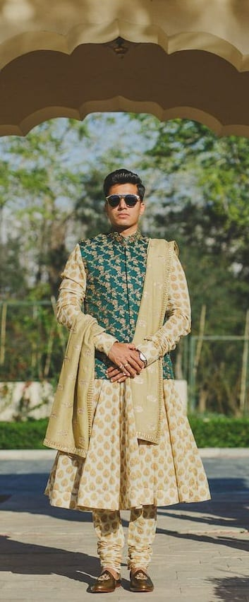 Stylish Wedding Outfit Ideas For Men This Year