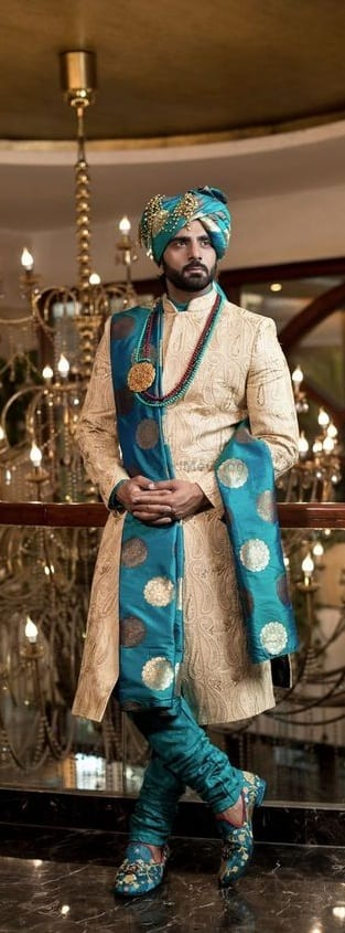Stylish Wedding Outfit Ideas For Men Try