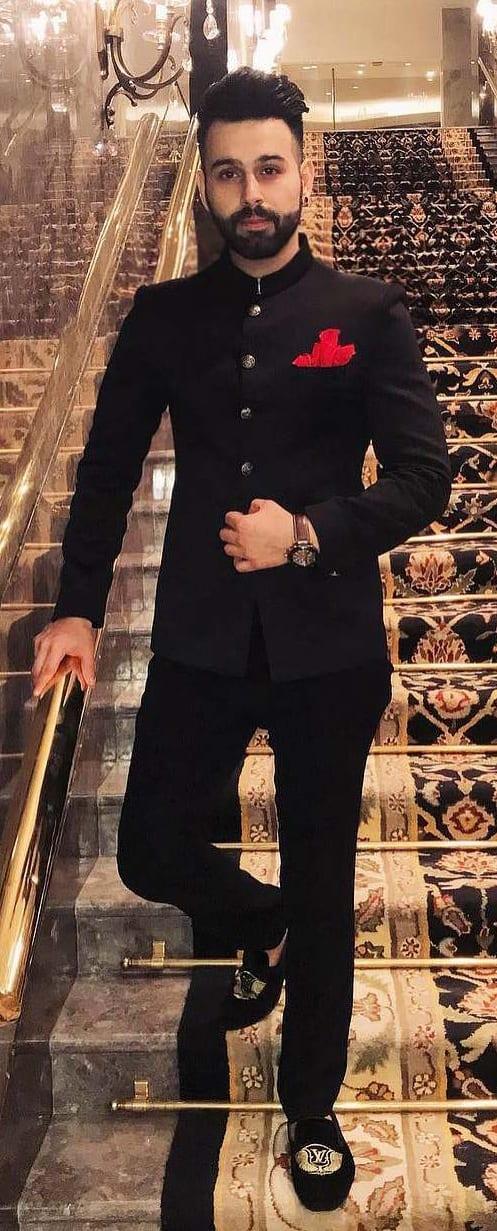 Stylish jodhpuri suit for men this season