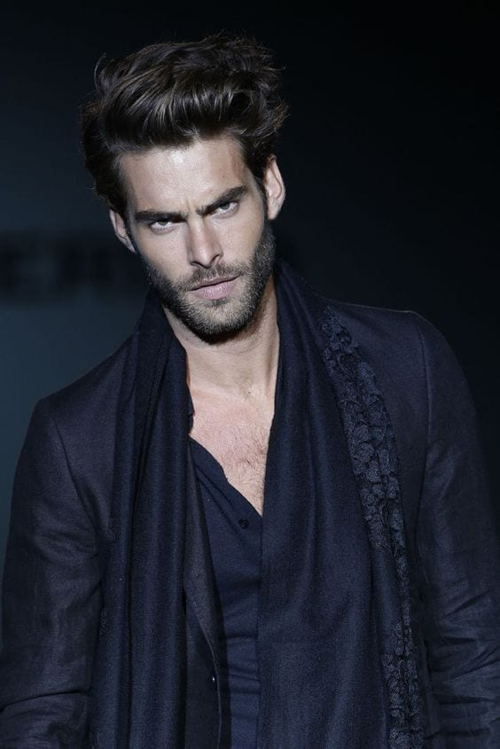 jon kortajarena triangle face beard look