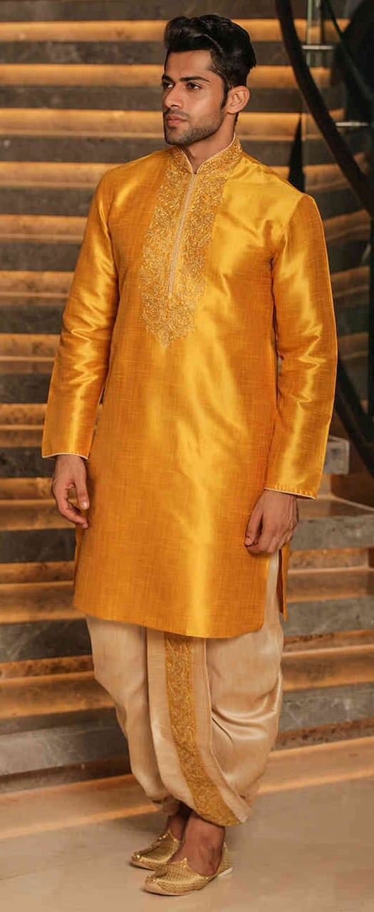 Kurta Outfit Ideas For Men This Wedding Season