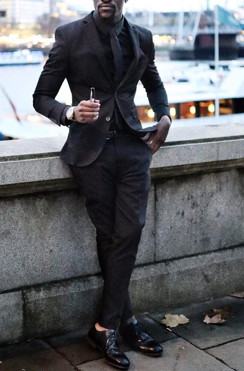 5 Outfit Colours Dark Skin Tone Men Should Avoid