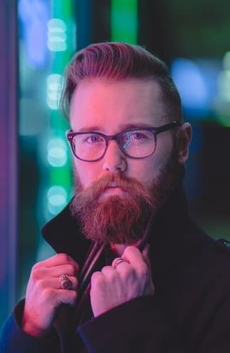 classic pomp with medium beard