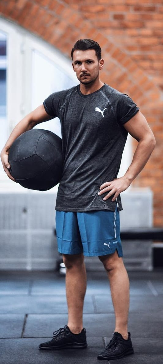Trendy Athleisure Outfit Ideas For Men This Year