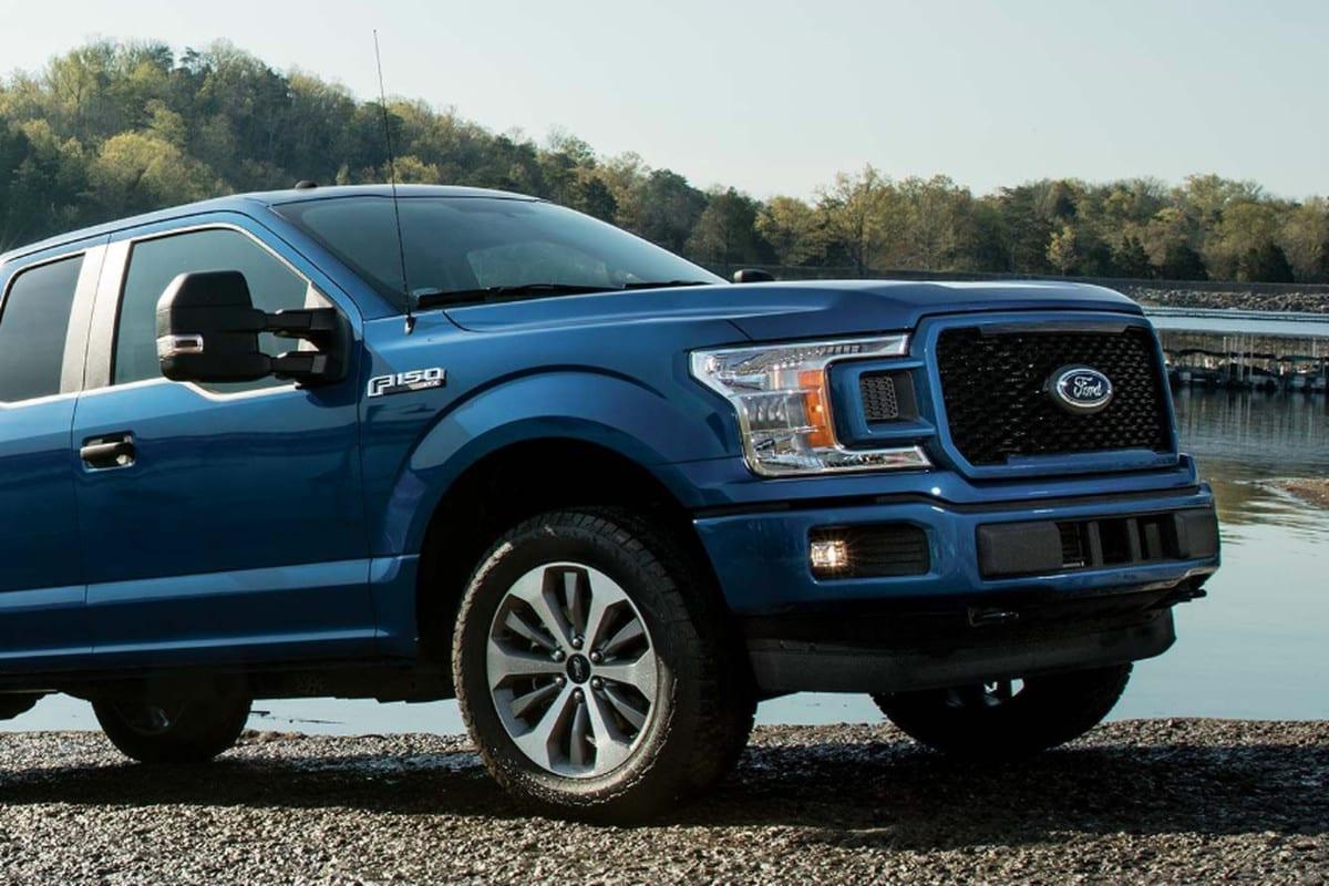 FORD F150 BLUE SUV